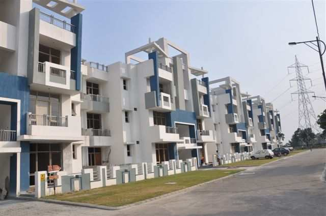 4 BHK Flats & Apartments for Rent in Lucknow