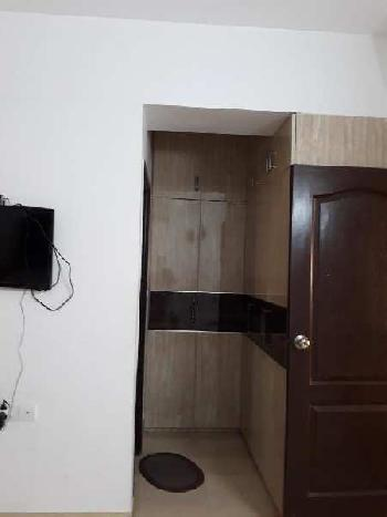 Residential House for Rent in Indra Dhanush, Santacruz West, Mumbai