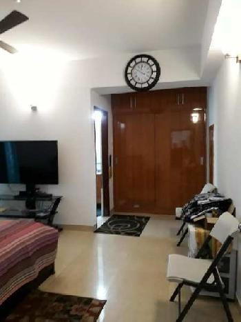 Residential House for Rent in Santacruz West, Mumbai
