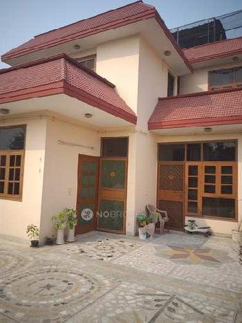 4 BHK Individual Houses / Villas for Sale in Model Town, Ludhiana