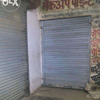 555 Sq Yards Shop for Sale