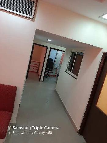 Commercial office 1000 square feet in dhantoli Nagpur