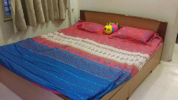 3 BHK flat for rent in laxmi nagar furnished