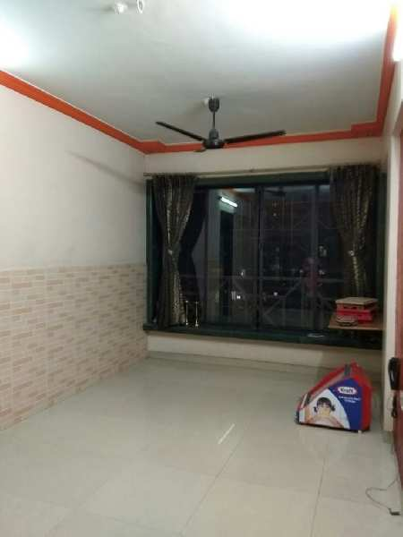 1.5 BHK ON RENT IN A FAMOUS COMPLEX NEAR TIP TOP PLAZA AT TEEN HATH NAKA, THANE