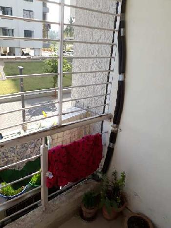 1 BHK Flats & Apartments for Sale in Adajan, Surat