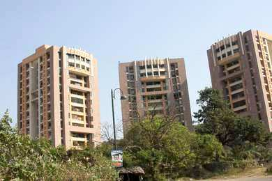 2 BHK Spacious Flat for Sale in Kasarvadvali opp. Hyper City Mall