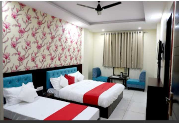 1100 Sq.ft. Hotel & Restaurant for Sale in Kharkhari, Haridwar