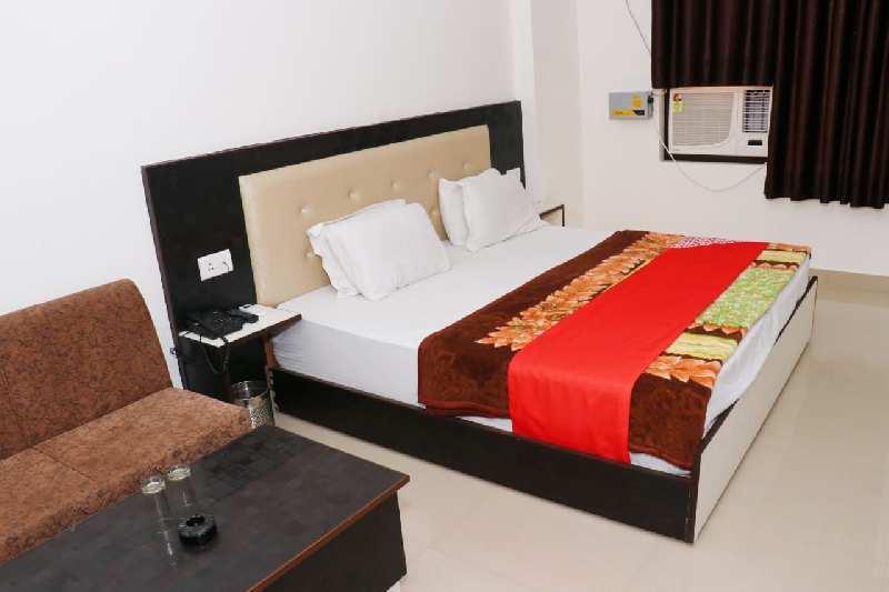 1150 Sq.ft. Hotel & Restaurant for Rent in Bhupatwala, Haridwar