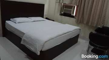 Guest house for Sale in Karol Bagh