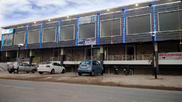 Ready to move Commercial shops in kishanpura, zirakpur