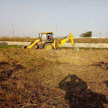 Land for commercial use on Highway Bulandshahr