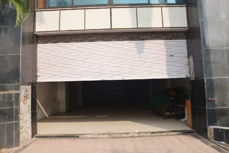 PRIME LOCATION PROPERTY AVAILABLE ON LEASE