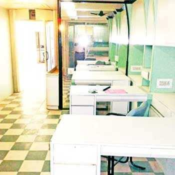 700 Sq.feet Office Space Available for Rent in C.G. Road