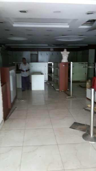 Commercial space for showroom in gomtinagar at manoj pandey chauraha