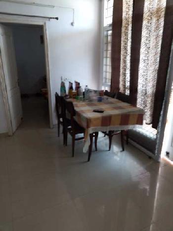 Fully furnished flat at Raibareli road