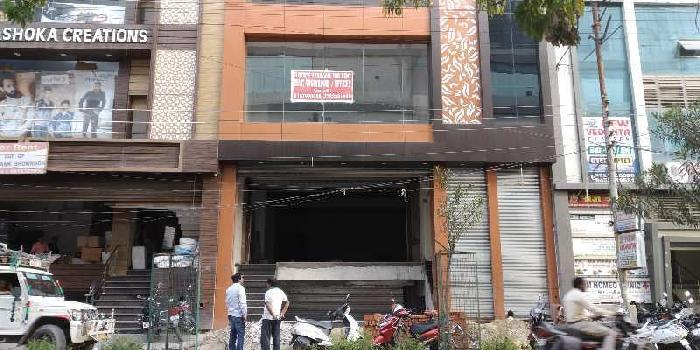 Showroom space near Phoenix mall Kanpur road