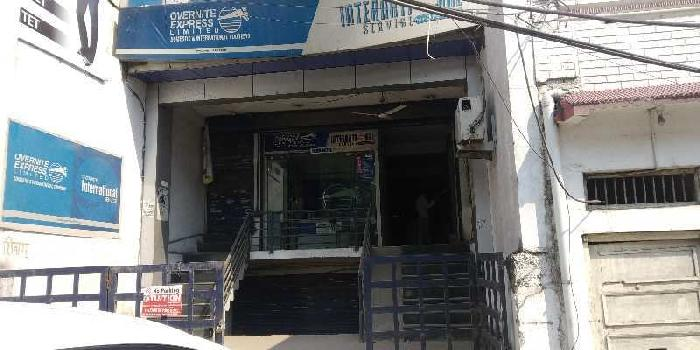 Showroom space near alambagh bus stand