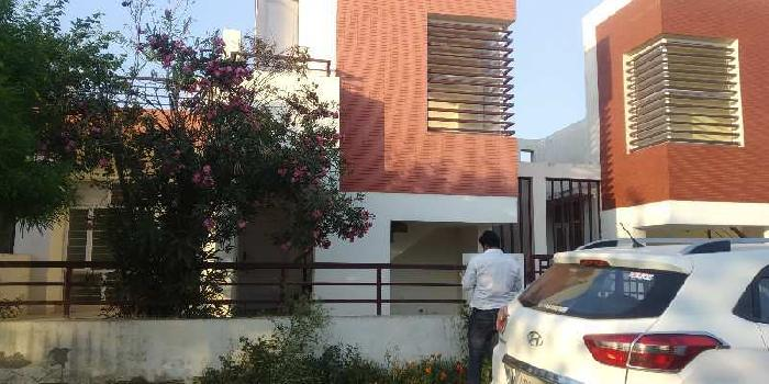 Independent villa in ansal golf city