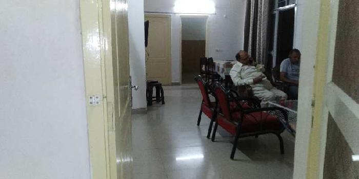Fully furnished flat in eldeco saubhagyam raibareli road vrindavan yozna