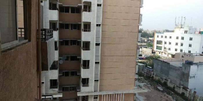 3 bhk flat for rent in gomti nagar near high Court lucknow
