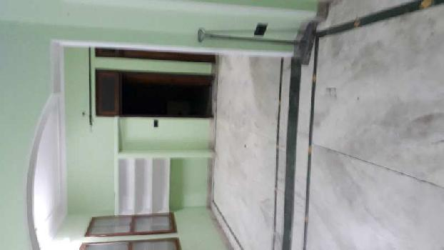 2big size room with attached bathroom in sec 4