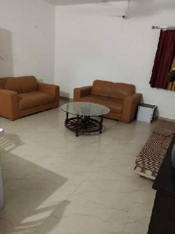 Fully furnished 2 bhk house in gomti nagar near Taj hotel