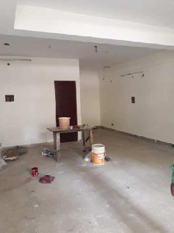 Shop for rent in gomti nagar near patrakarpuram churaha