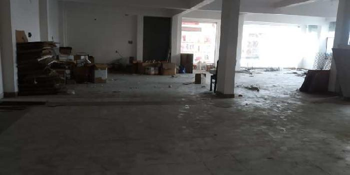 Main road area 5000sf for showroom purposes