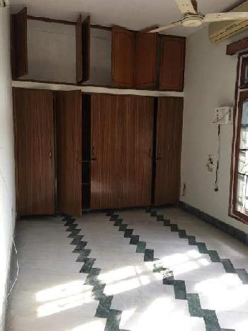 3 bhk flat for rent in gomti nagar near indira Gandhi pratisthan