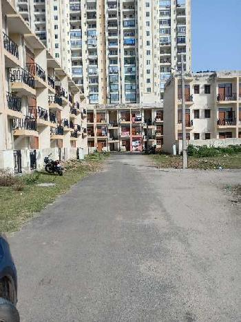 2 room set housing board flat sale in sector 33