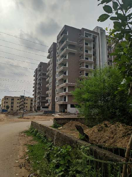10000 Sqft Residential Diversion Plot For Sale At Besides Jain Temple , Romanceque Villas Aishwarya Empires  Road , Labhandi Raipur Capital Of Chhattisgarh India.