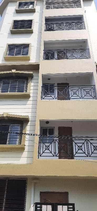 2 BHK Flats & Apartments for Sale in Beliaghata, Kolkata