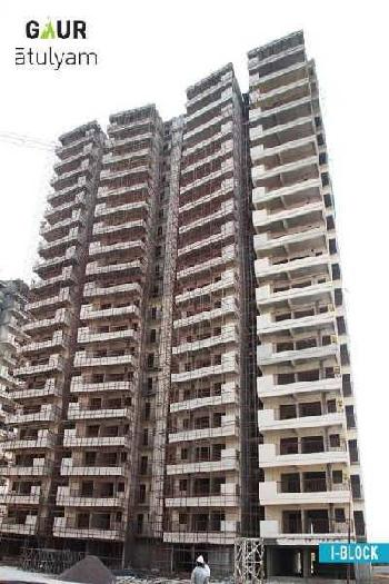 READY TO MOVE 4BHK FLAT NEAR BY METRO STATION