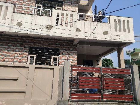 Beautiful House with Beautiful Interior Very Near To Main Road