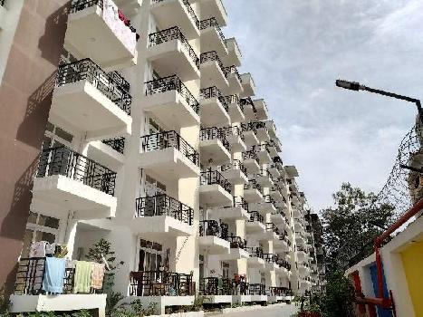 3BHK FLAT WITH SERVANT ROOM READY TO MOVE IN