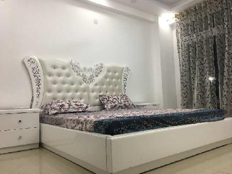 3BHK SEMIFURNISHED FLAT WITH SERVANT ROOM