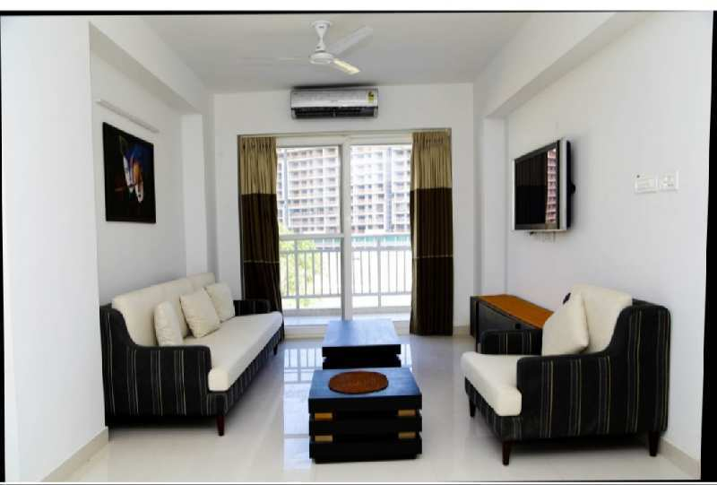 3BHK SEMIFURNISHED READY TO MOVE IN FLAT
