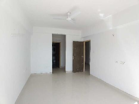 3BHK READY TO MOVE IN SEMIFURNISHED FLAT