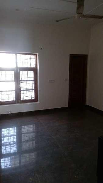 2BHK SEMIFURNISHED FLAT