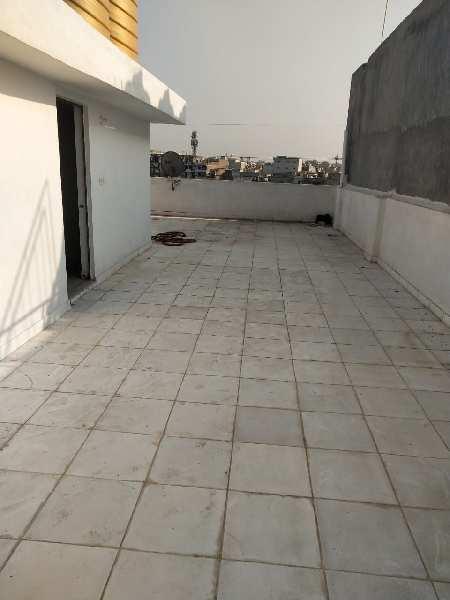 100 Sq. Yards Flats & Apartments for Sale in Block B3, Paschim Vihar, Delhi