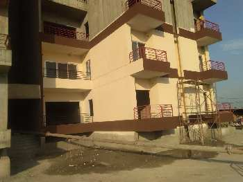 Flat on Sushant Golf City Near By Sultanpur Road , Concer Hospital