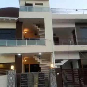 Villa For rent at Noida