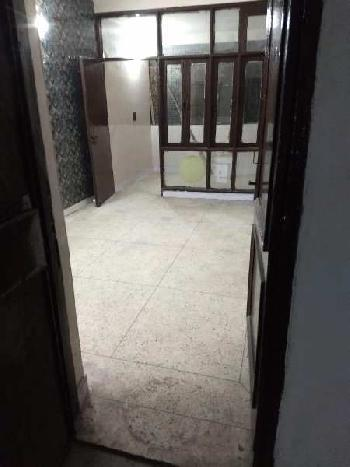 1bhk floor for rent in sector 3.
