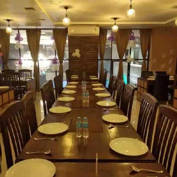 2000sqft Running Family Restaurant On lEsae at Vijay Nagar