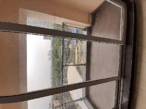 2 BHK Flats & Apartments for Rent in Kolshet Road, Thane