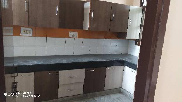 2bhk ground floor independent flat available at model town extension