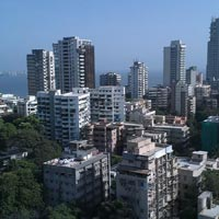 S V Road FACING 1800 Sqft showroom Avilable for RENT at BANDRA - W
