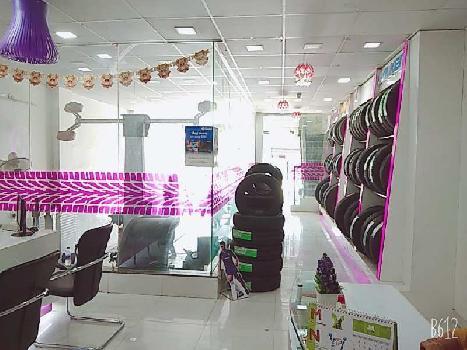 Beautiful Tyre Showroom for sale