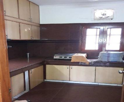 3 BHK Flats & Apartments for Rent in Uday Park, South Extension, Delhi