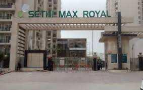 3 BHK Apartment 1250 Sq. ft. in Seth Max Royal, Noida@ Rs. 66Lac